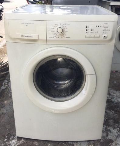 Máy giặt Electrolux EWF 85761-7.0KG