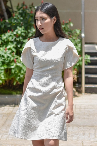 Wing Sleeve Apricot Blossom Vein White Dress