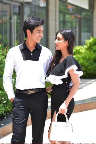 Couple Black Chest White Shirt & Pearls Line Dress