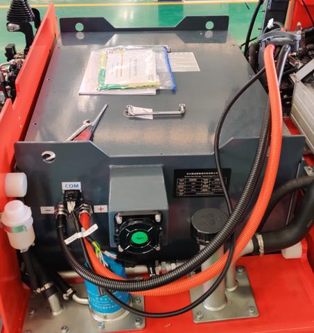 pin lithium lắp trên xe nâng điện heli