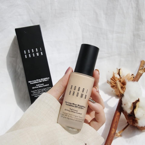 Kem Nền Bobbi Brown Skin Long-Wear Weightless SPF15 30ML