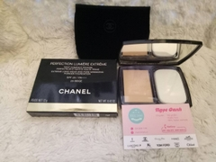 Phấn Chanel Perfection Lumiere Extreme 12g #20 Beige