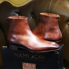 BESPOKE BOOTS WITH ZIPPER BACKSIDE