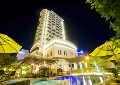 The Light Hotel & Resort Nha Trang 4*