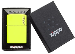Zippo Plain with Logo Neon Yellow Matte 4