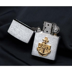 Zippo US Navy Anchor Emblem Brushed Chrome 4