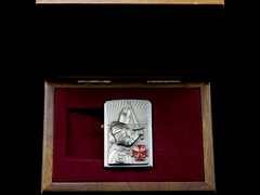 Zippo templer Crusader Limited Edition 2013 8