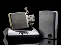 Zippo Cổ Brushed Chrome 1970 4 Gạch Thẳng 6