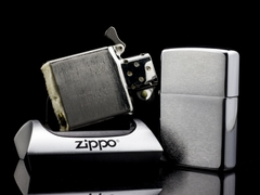 Zippo Cổ Brushed Chrome 1979 5 Gạch Thẳng 8