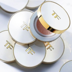 Phấn nước TOM FORD Soleil - 1.3 Warm Porcelain