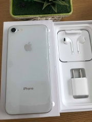 Iphone 8-256gb dcm 100% trắng ID: 811906