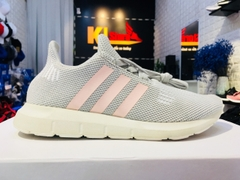 Adidas Swift Run Shoes ghi hồng