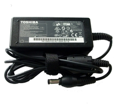 Adapter Toshiba 19V - 1.58A