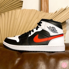 [554724-075] M NIKE AIR JORDAN 1 MID BLACK CHILE RED WHITE