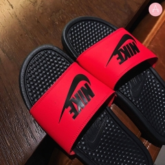 [343880-605] M NIKE BENASSI RED ORBIT