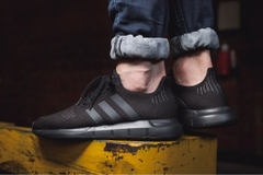 [CG4111] M ADIDAS SWIFT RUN ALL BLACK