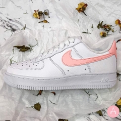 [AH0287-102] W NIKE AIR FORCE 1 WHITE SWOOSH PINK