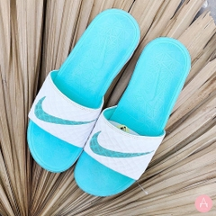[705475-130] W NIKE BENASSI SOLARSOFT MINT WHITE