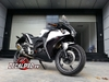 Tem xe CBR 150 Black and White
